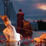 ロミオとジュリエット効果から見る、障害が多い恋愛が抱える問題点について