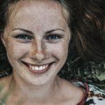 他人の笑顔に恐怖を覚えるのは、視線恐怖と集合体恐怖症であるという仮説